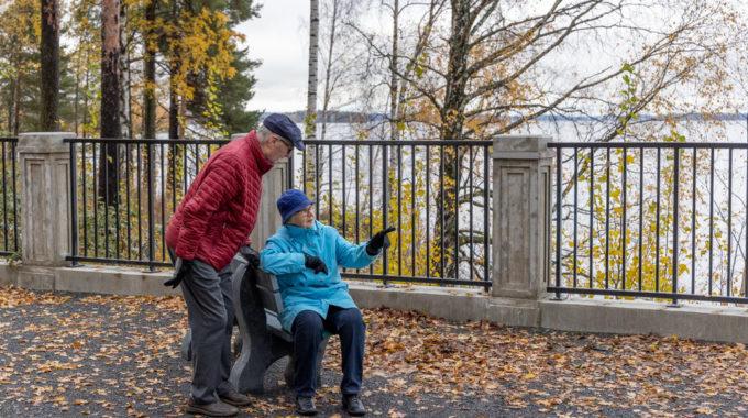 Selkeät Palvelurakenteet Ja Toimiva Kommunikointi Parantavat Muistisairautta Sairastavien Henkilöiden Ja Heidän Omaishoitajien Mahdollisuuksia Vaikuttaa Saamiinsa Sosiaali- Ja Terveyspalveluihin